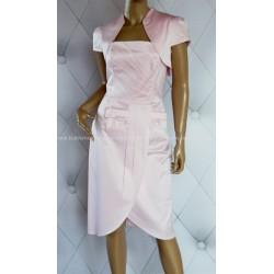 Elegancka sukienka z bolerkiem pastelowy róż 40