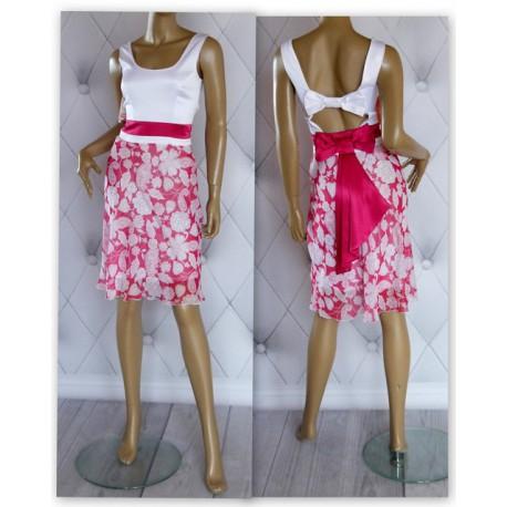 Biało różowa sukienka kokardy na plecach cudo
