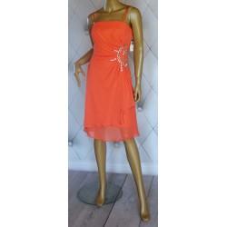 Szyfonowa koralowa sukienka srebrne kamienie